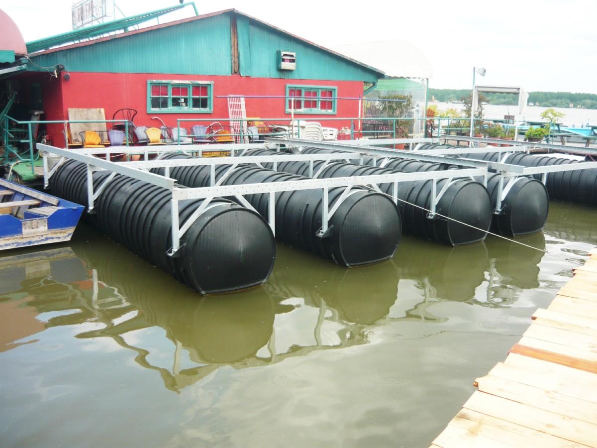cevi za pontone pored splava