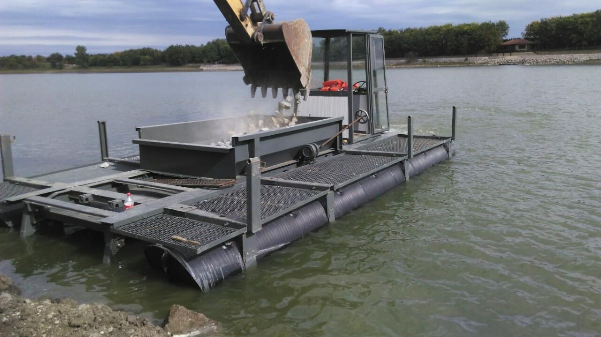 plastični ponton za prevoz materijala
